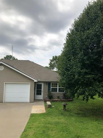 2602 S 17th Street, St Joseph, MO 64501 (#2181935) :: House of Couse Group