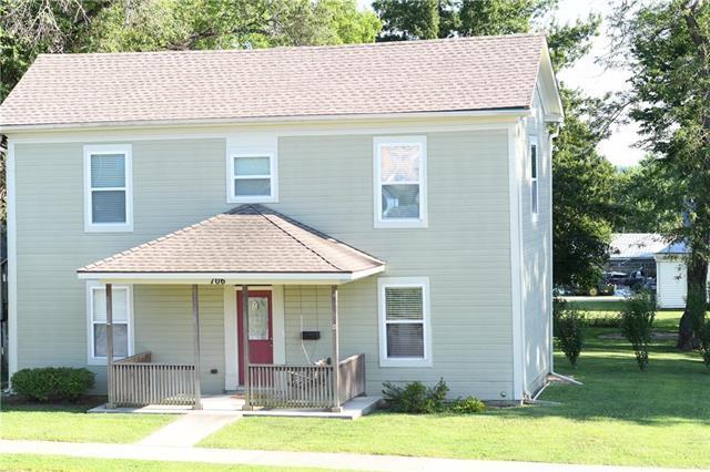 706 Cedar Street, Pleasant Hill, MO 64080 (#2182133) :: Kansas City Homes