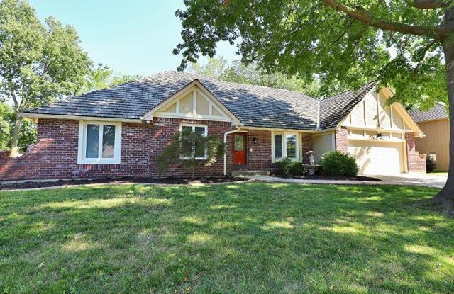 2216 NW Fawn Drive, Blue Springs, MO 64015 (#2182163) :: Kansas City Homes