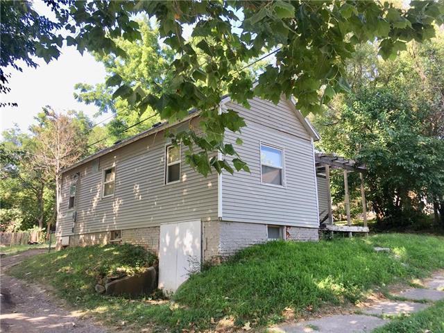 1815 Penn Street, St Joseph, MO 64507 (#2182178) :: House of Couse Group