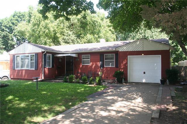 11102 E 24th Street, Independence, MO 64052 (#2182297) :: Eric Craig Real Estate Team
