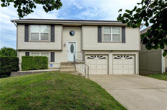 11311 N Donnelly Avenue, Kansas City, MO 64157 (#2182396) :: Kansas City Homes