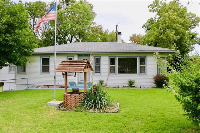 2422 NE 43rd Street, Kansas City, MO 64116 (#2182401) :: Kansas City Homes