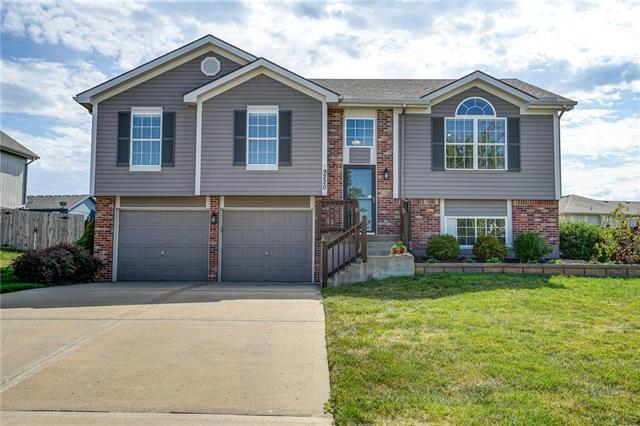 9220 N Holly Street, Kansas City, MO 64155 (#2182445) :: Kansas City Homes