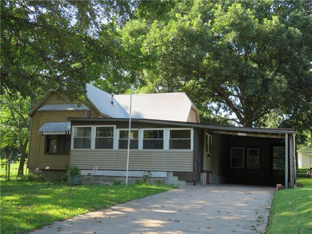 1120 Walnut Avenue, Osawatomie, KS 66064 (#2182519) :: House of Couse Group