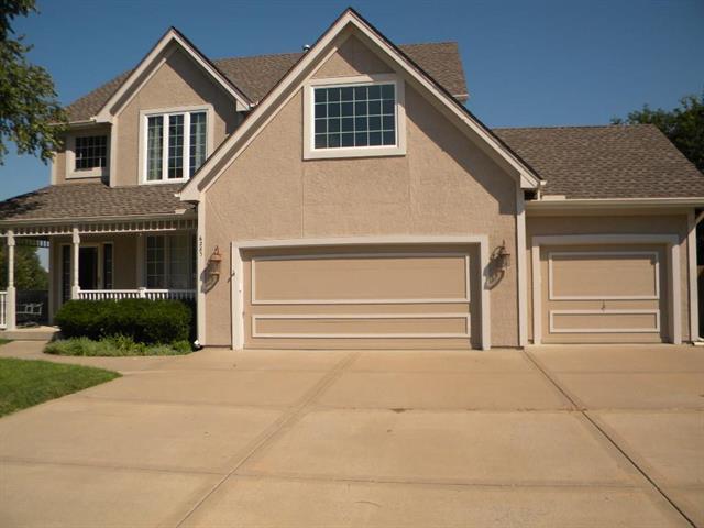 6285 N Nevada Avenue, Parkville, MO 64152 (#2182572) :: Kansas City Homes