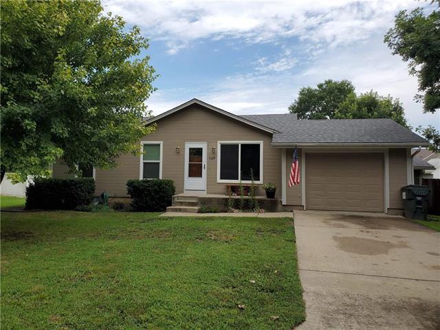 1129 3rd Street, Osawatomie, KS 66064 (#2182618) :: Kansas City Homes