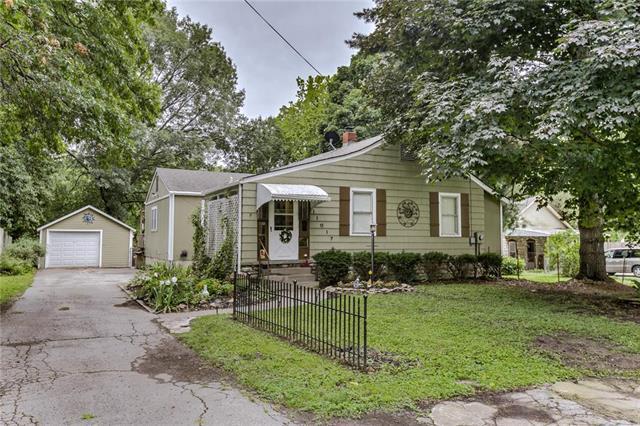 11017 25 Street, Independence, MO 64052 (#2182649) :: Kansas City Homes