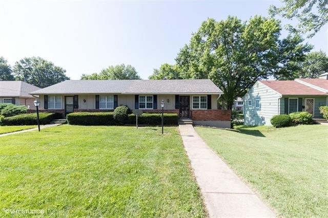 8015 E 87th Street, Raytown, MO 64138 (#2182694) :: Kansas City Homes