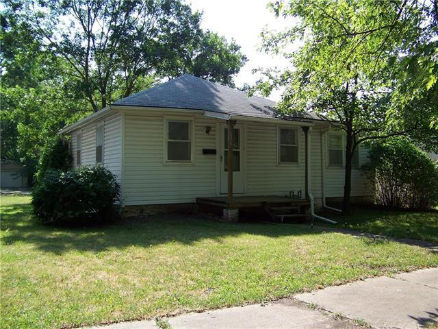 631 S Elm Street, Ottawa, KS 66067 (#2182732) :: Eric Craig Real Estate Team