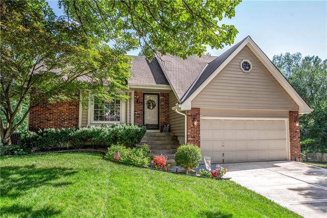 11805 W 101st Street, Overland Park, KS 66214 (#2182747) :: Kansas City Homes