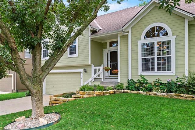 4724 Mund Road, Shawnee, KS 66218 (#2182887) :: Eric Craig Real Estate Team