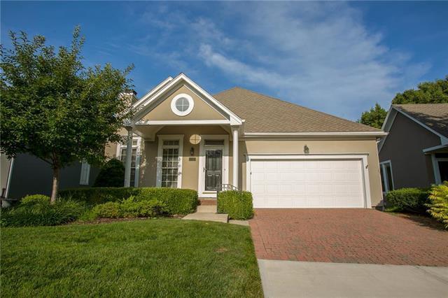 12460 Westgate Street, Overland Park, KS 66213 (#2182894) :: Kansas City Homes