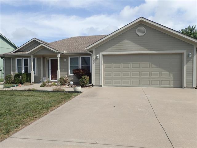2104 Cherokee Drive, Greenwood, MO 64034 (#2182934) :: No Borders Real Estate
