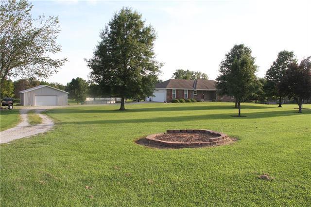 19701 K68 Highway, Paola, KS 66071 (#2182959) :: Kansas City Homes
