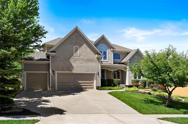 24060 W 114th Place, Olathe, KS 66061 (#2183174) :: House of Couse Group