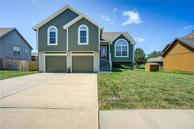 15706 Hight Avenue, Belton, MO 64012 (#2183338) :: Kansas City Homes