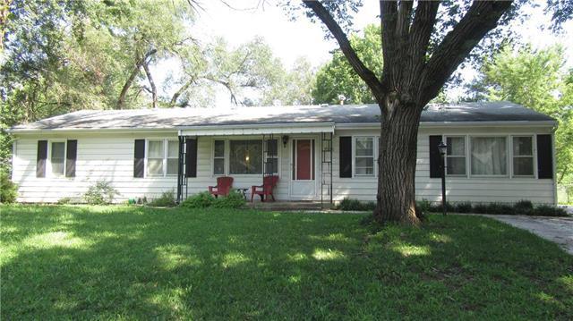 1536 W 21st Terrace, Lawrence, KS 66044 (#2183388) :: Kansas City Homes