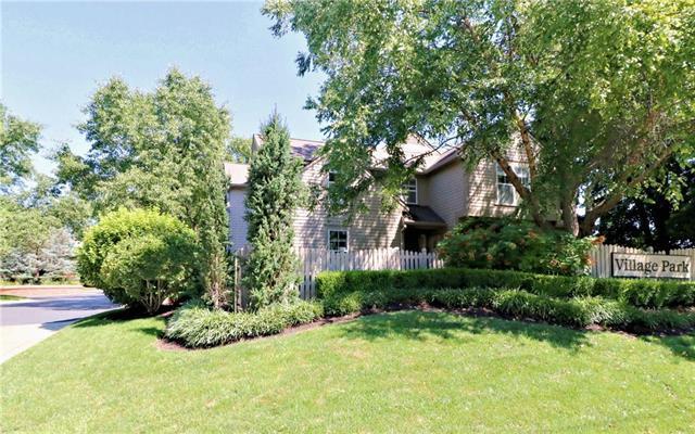 4000 W 79th Street, Prairie Village, KS 66208 (#2183409) :: NestWork Homes
