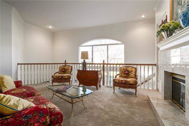 7860 W 118th Terrace, Overland Park, KS 66210 (#2184211) :: Kansas City Homes