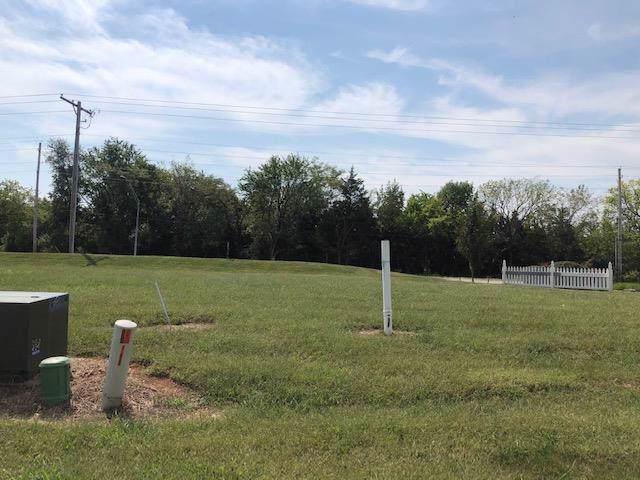 12631 Fountain Lake Circle, Grandview, MO 64030 (#2184440) :: Eric Craig Real Estate Team