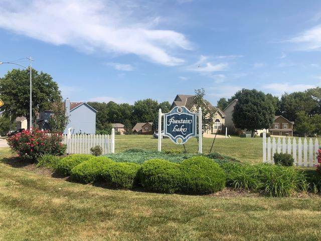 12628 Fountain Lake Circle, Grandview, MO 64030 (#2184444) :: Eric Craig Real Estate Team