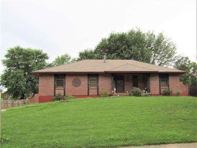 2117 NW 11th Street, Blue Springs, MO 64015 (#2185695) :: No Borders Real Estate