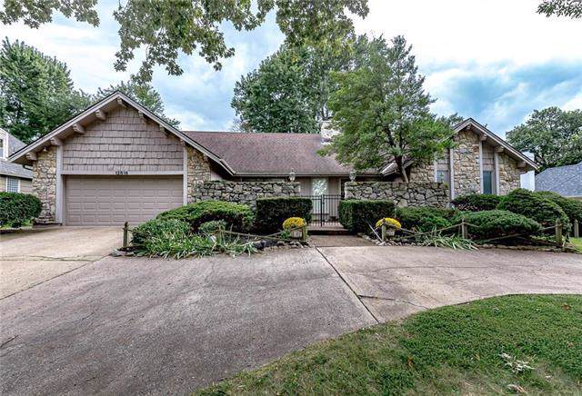 12616 Cherokee Lane, Leawood, KS 66209 (#2187323) :: House of Couse Group
