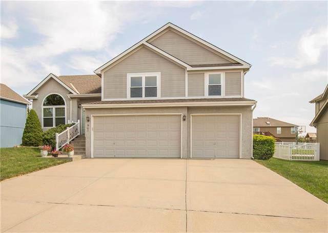 907 Crestridge Drive, Kearney, MO 64060 (#2187441) :: Clemons Home Team/ReMax Innovations
