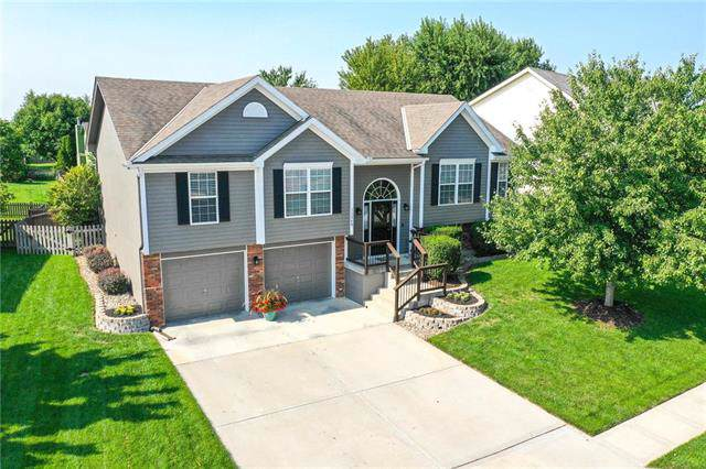 11268 N Summit Street, Kansas City, MO 64155 (#2188172) :: Dani Beyer Real Estate