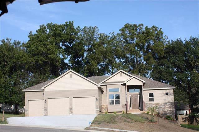2713 Coop Drive, St Joseph, MO 64506 (#2188278) :: Dani Beyer Real Estate