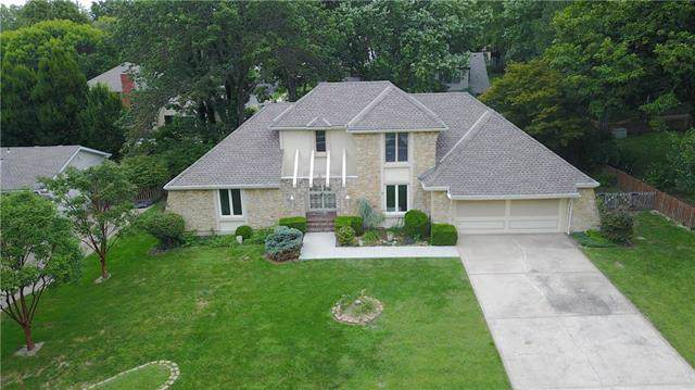 2304 W 120th Terrace, Leawood, KS 66209 (#2188291) :: House of Couse Group