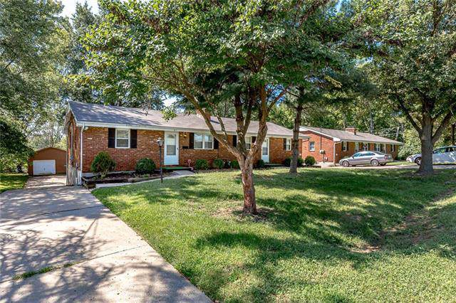 809 E Lexington Avenue, Independence, MO 64050 (#2188374) :: Dani Beyer Real Estate