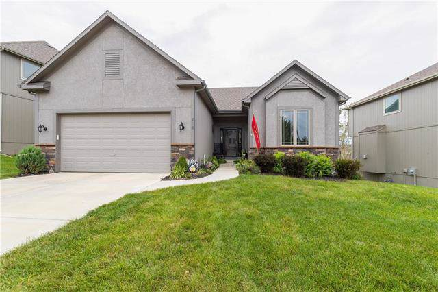716 S Franklin Street, Raymore, MO 64083 (#2188416) :: Clemons Home Team/ReMax Innovations