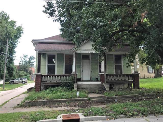 1016 N 11th Street, St Joseph, MO 64501 (#2188429) :: Edie Waters Network