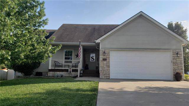 1207 SW 4th Street, Oak Grove, MO 64075 (#2188435) :: No Borders Real Estate