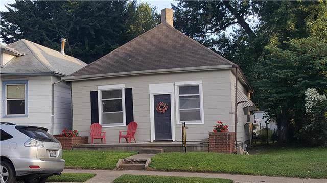 2830 Jules Street, St Joseph, MO 64501 (#2188444) :: Dani Beyer Real Estate