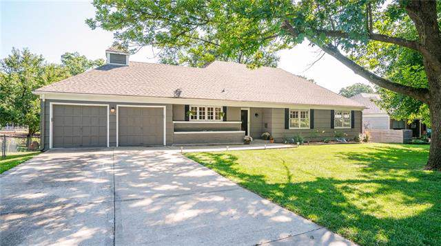 5107 Howe Drive, Roeland Park, KS 66205 (#2188465) :: House of Couse Group