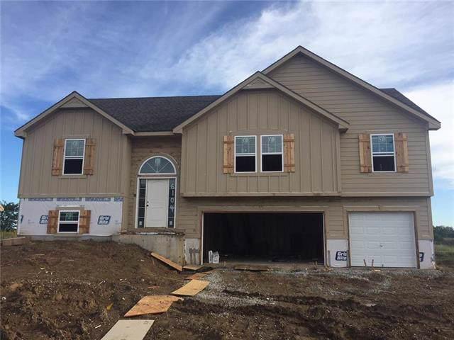 6104 NE 120th Street, Kansas City, MO 64166 (#2188626) :: Kansas City Homes