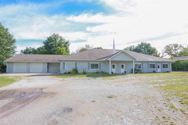 21615 S Peculiar Drive, Peculiar, MO 64078 (#2188627) :: House of Couse Group