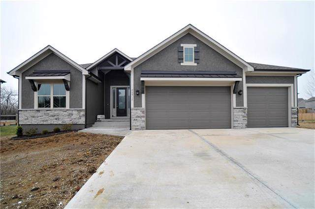 12002 Astor Court, Peculiar, MO 64078 (#2188637) :: Clemons Home Team/ReMax Innovations