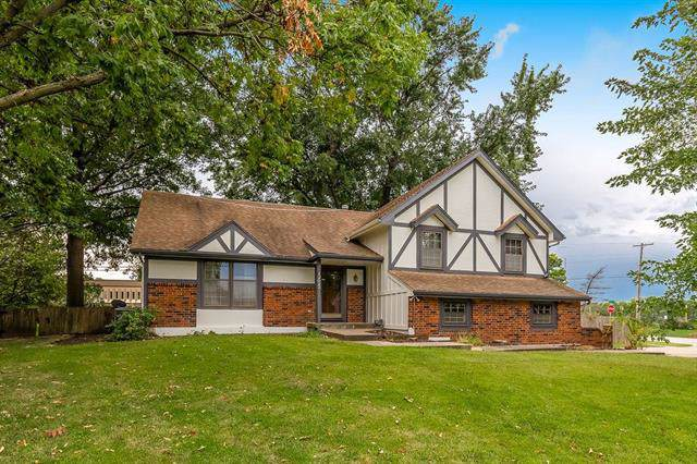 12023 W 74th Terrace, Shawnee, KS 66216 (#2188658) :: House of Couse Group
