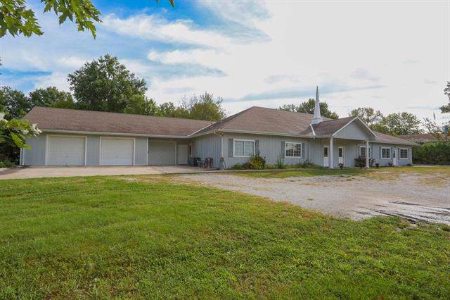 21615 S Peculiar Drive, Peculiar, MO 64078 (#2188674) :: Clemons Home Team/ReMax Innovations