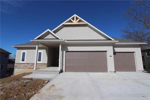 14800 NW 66th Terrace, Parkville, MO 64152 (#2188693) :: Kansas City Homes