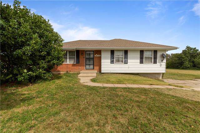 35004 E Colbern Road, Lone Jack, MO 64070 (#2188746) :: No Borders Real Estate
