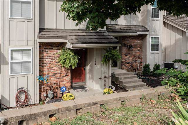 164 NE Bayview Drive, Lee's Summit, MO 64064 (#2188819) :: House of Couse Group