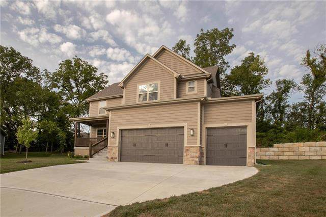 1402 Burr Oak Court, Grain Valley, MO 64029 (#2188839) :: No Borders Real Estate