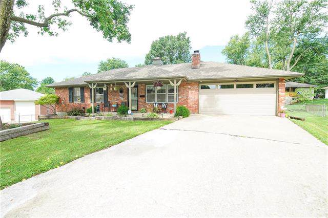 16000 E 37th Terrace, Independence, MO 64055 (#2188848) :: Dani Beyer Real Estate