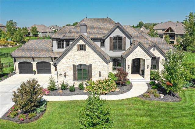 10500 W 165th Street, Overland Park, KS 66221 (#2188850) :: The Shannon Lyon Group - ReeceNichols