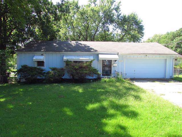 12407 E 50th Street, Independence, MO 64055 (#2188870) :: Dani Beyer Real Estate